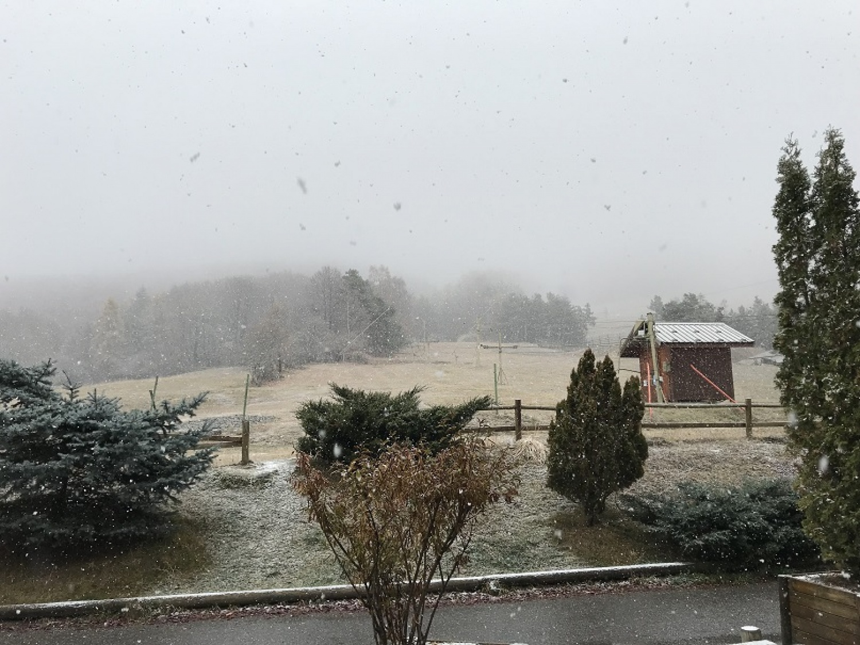 La neige tombe sur Montclar